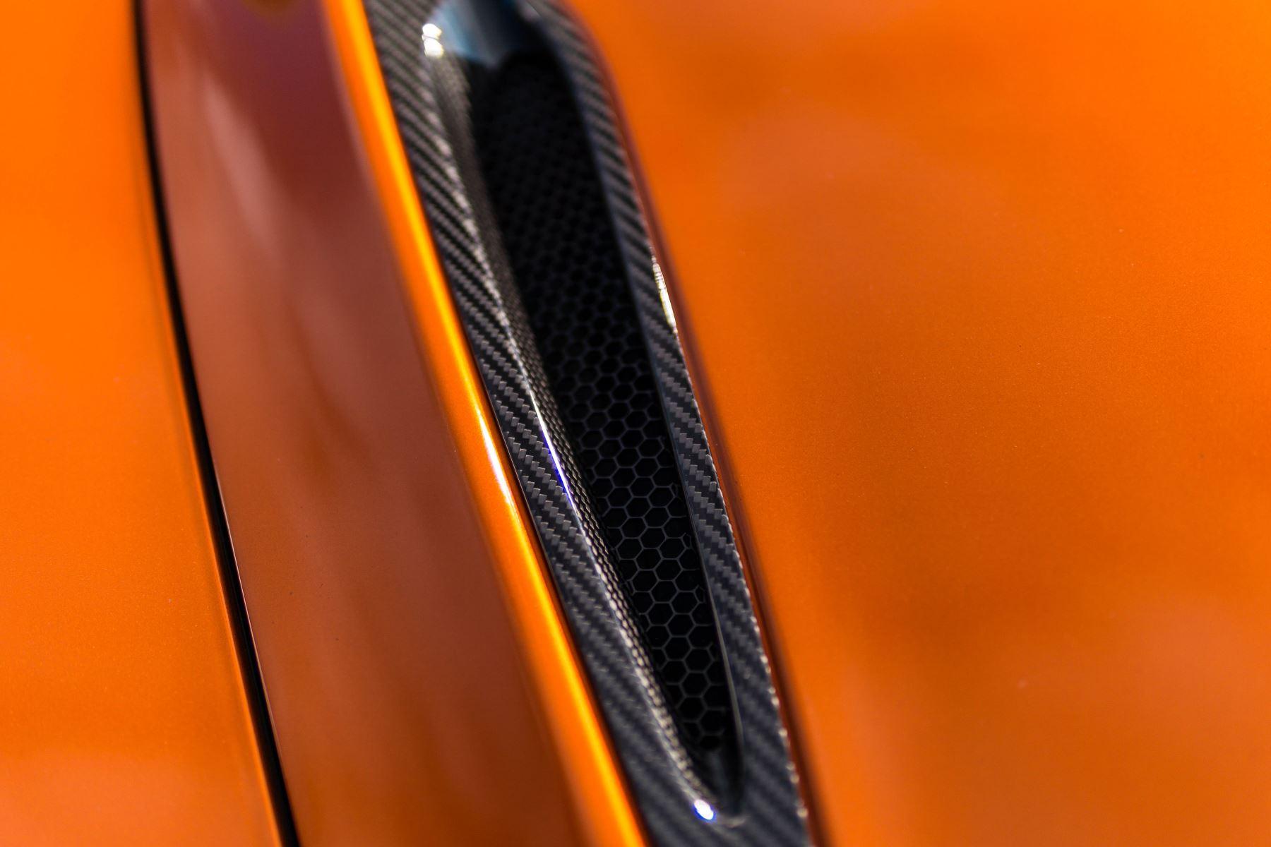 McLaren 720S V8 2dr SSG PERFORMANCE image 11